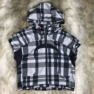 Lululemon Run with it hooded jacket